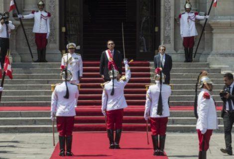 Nuevos rostros, mismas políticas: lo que se espera del nuevo presidente de Perú