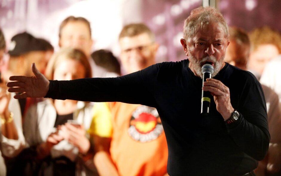 Lula promete volver al poder al finalizar una tensa caravana por el sur de Brasil