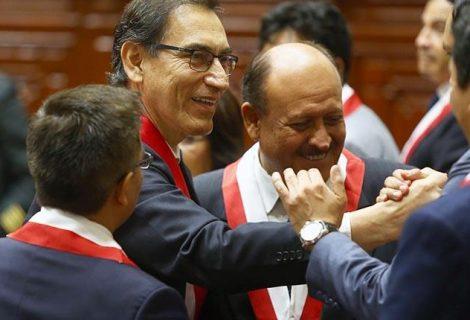 """Perú sin gabinete y en medio de la """"guerra"""" entre los Fujimori"""
