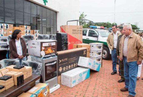 Gobernación entregó a la Policía un importante stock de equipos
