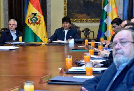 Evo dice que Chile amedrenta al mundo y niega su obligación de negociar una salida al mar