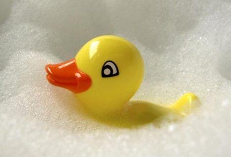Los patitos de goma de las bañeras de niños tienen muchos gérmenes