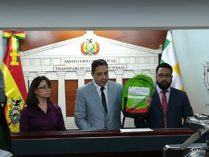 Caso Mochilas: Arce confirma sopreprecio y asegura accion de organización criminal en ese hecho