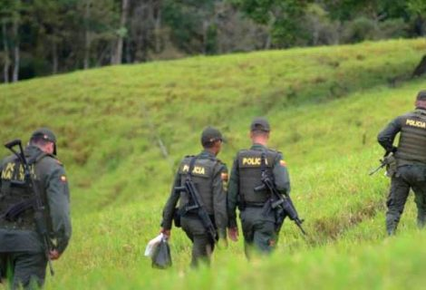 Narcos matan a ocho policías colombianos