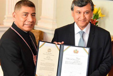 Hugo Villarroel jura como embajador de Bolivia en Rusia