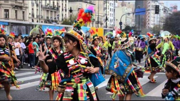 Ley contra concursos de belleza de menores alcanza a entradas folclóricas