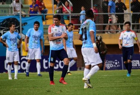 Aurora cae de local ante Blooming