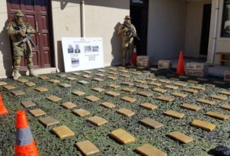 Oruro: Policía decomisa 84 kilos de cocaína y 70 de marihuana