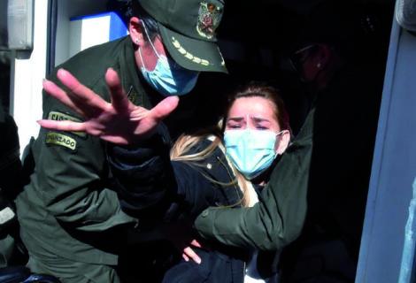 JEANINE AÑEZ INTENTÓ QUITARSE LA VIDA EN LA CÁRCEL: Se autolesionó en el brazo dentro de su celda