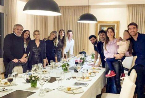 PRESIDENTE ARGENTINO INFRINGIÓ LA CUARENTENA: Celebró el cumpleaños de su mujer con una fiesta