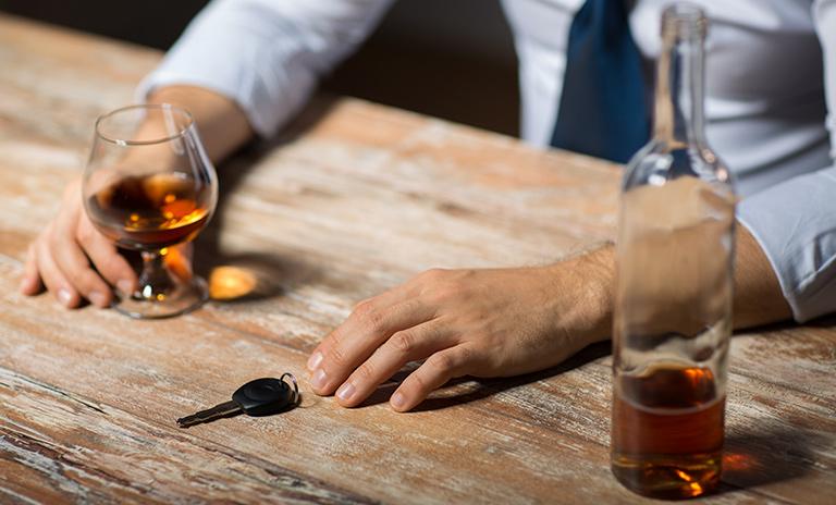 OTRO FUNCIONARIO MUNICIPAL ENCONTRADO EBRIO: Despedido por conducir bajo influencia alcohólica