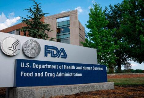 LA FDA AUTORIZA APLICACIÓN DE 3ª DOSIS DE VACUNA: Se deberá aplicar para ciertas personas inmunodeprimidas