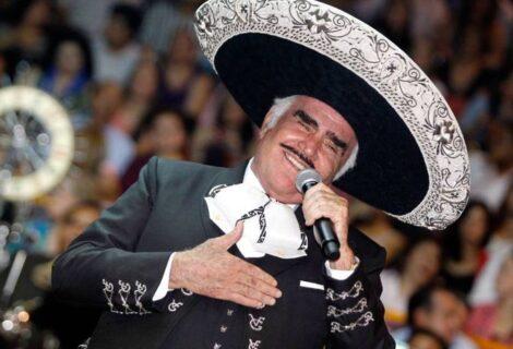 VICENTE FERNÁNDEZ PRESENTA UNA LIGERA MEJORÍA: El ídolo mexicano cumple un mes en terapia intensiva