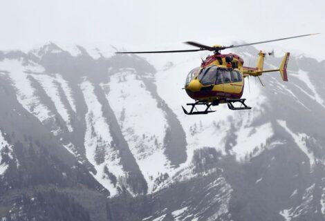 RESCATE DE CICLISTA EN LOS ALPES TERMINA EN TRAGEDIA: Se estrella un helicóptero francés que iba en auxilio