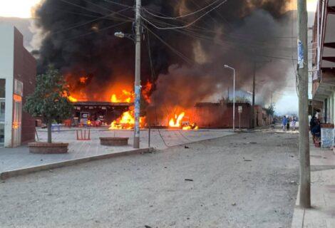 EXPLOSIONES EN DEPÓSITO DE INSUMOS Y COMBUSTIBLES: Causa daños materiales y deja 12 personas heridas