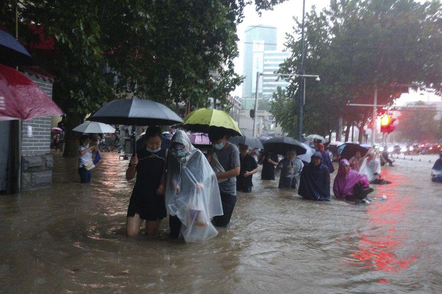 FUERTES LLUVIAS EN CHINA DEJAN 2 MILLONES DE DAMNIFICADOS: 15 personas fallecidas y pérdidas de US$ 774 millones