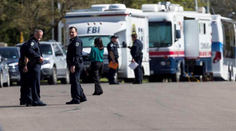 Policía de EEUU busca a «atacante serial» tras cinco bombas en Texas