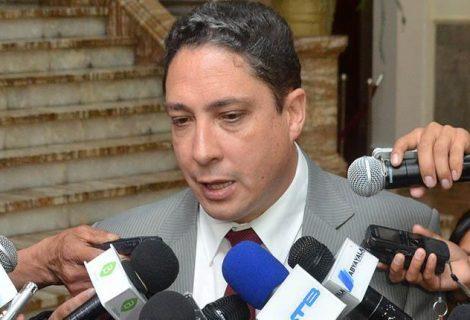 Ministro Arce asegura que informe de Venecia sobre reelección no tiene ningún efecto
