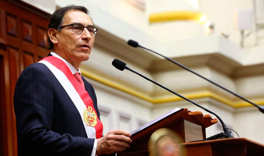 Vizcarra jura como nuevo presidente en Perú y plantea pacto anticorrupción