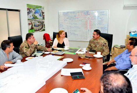 La presidenta del Concejo Municipal, se reunió esta mañana con las altas autoridades del Ejército