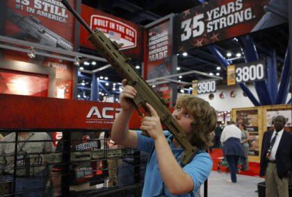 "MÉXICO ABRE PROCESO LEGAL A EMPRESAS AMERICANAS: Por ""Prácticas ilícitas, que facilitan el tráfico ilegal de armas"""