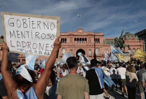 LA ENCRUCIJADA LUEGO DE PERDER LAS ELECCIONES: Un Gobierno chamuscado por una bomba que él mismo armó