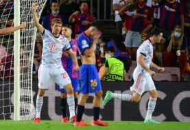 BARCELONA SUCUMBE Y SE LAMENTA SIN LEO MESSI: Sin ingresos, fútbol, ni goles, cae ante el Bayern (0-3)