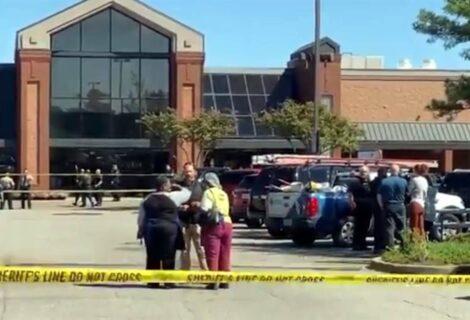 TIROTEO EN UN SUPERMERCADO EN TENNESSEE, EEUU: Deja dos muertos y 13 heridos, incluido el atacante